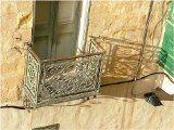 škary na balkone