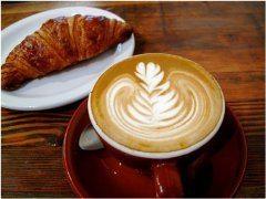 pekna-kava-a-croasant