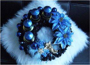 modrý adventný veniec