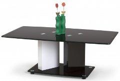 váza na konferenčnom stolíku