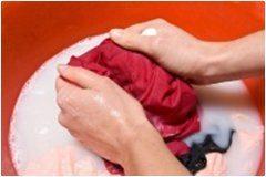 pranie v rukách