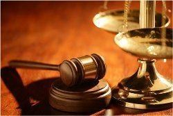 ako sa obliecť na súd