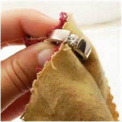 čistenie zlatého prsteňa
