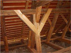 ako opraviť krov strechy