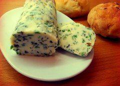 ako urobiť bylinkové maslo