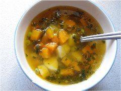 ako urobiť zemiakovú polievku s údeninou