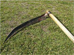 kosenie trávy kosou