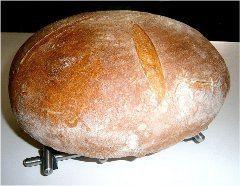 pečenie domáceho chleba v pekárni
