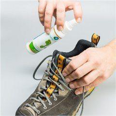 ako sa zbaviť zápachu z topánok