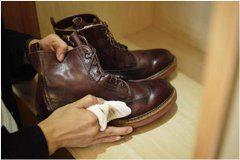 správne čistenie kožených topánok