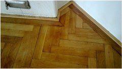 ako brúsiť a natierať parketové podlahy
