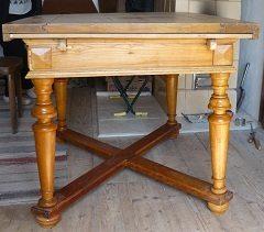 oprava poškodenej dosky stola