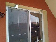 oprava sietí v rámoch na okne