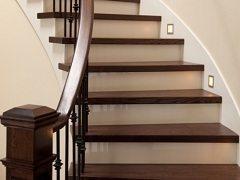 postaviť schody do špirály