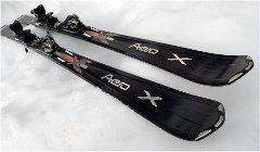 kvalitné zjazdové lyže