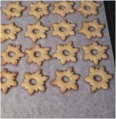 pečenie vianočných koláčikov