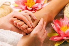 bolesť nôh a ich masáž