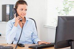 telefonicky komunikovať so súdom