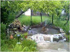 záhradné jazierko z kameňov