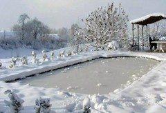 bazén v zime