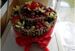 trubičková slávnostná nepečená torta