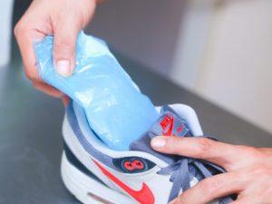 úzke tenisky a ako ich roztiahnuť