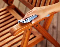 čistenie dreveného nábytku