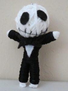 ako na Voodoo bábiku