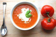 ako pripaviť chuťovo vyváženú paradajkovú polievku