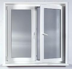 biele plastové okno