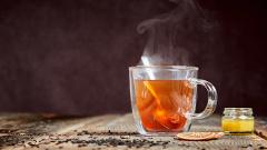 pohár čaju