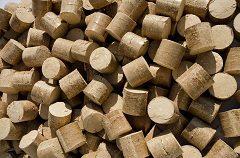 vykurovanie drevenými briketami