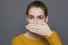 návod ako odstrániť nepríjemný zápach z úst