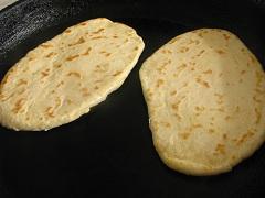príprava zemiakových placiek z chleba