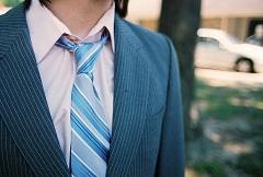 uviazať kravatu