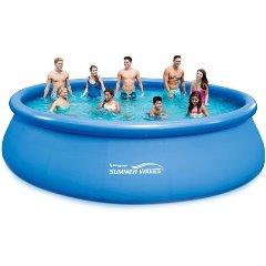 pobyt pri bazéne a záhradný bazén