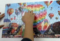 zavesenie puzzle na stenu