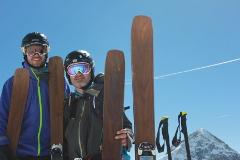 freeride alebo zjazdové lyže