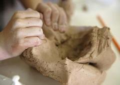 práca s keramickou hlinou