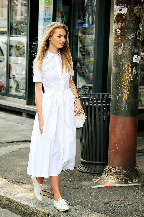 720c08a9ec4b Ako nosiť košeľové šaty. Obľúbené sú dlhé biele