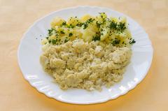 karfiolová mozoček so zemiakmi