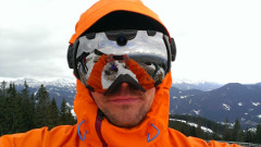 lyžiarske okuliare so zabudovanou kamerou