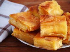 Ako urobiť slaný závin z lístkového cesta a kuracieho mäsa