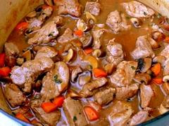 Dusená mrkva s bravčovým mäsom