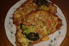 chutný zapečený chleba s brokolicou