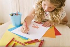 kresliace dieťa
