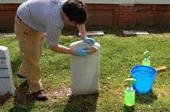 čistenie náhrobného kameňa