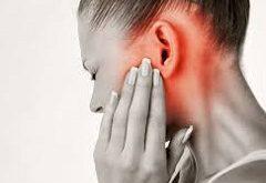 intenzívna bolesť uší