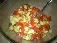 príprava rajčinového šalátu