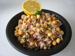 šalát z cícera a tuniaka